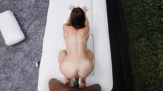 Naomi - Sporty Fit Girl Gets In The Rap Video