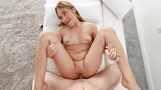 Gizelle - Hawaiian Has Body Shaking Orgasms Picture #8