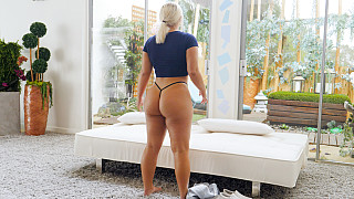 Lila - Thick PAWG Wants In A Rap Video Picture #6
